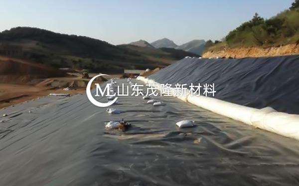 《崇义县思顺乡垃圾填埋场》土工布、土工膜施工