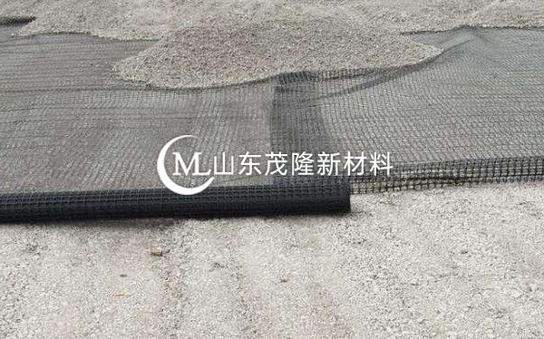 《广州明珠湾大桥工程二分部》土工格栅施工