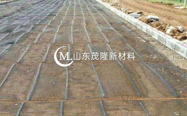 《三清高速》土工格栅、土工布施工