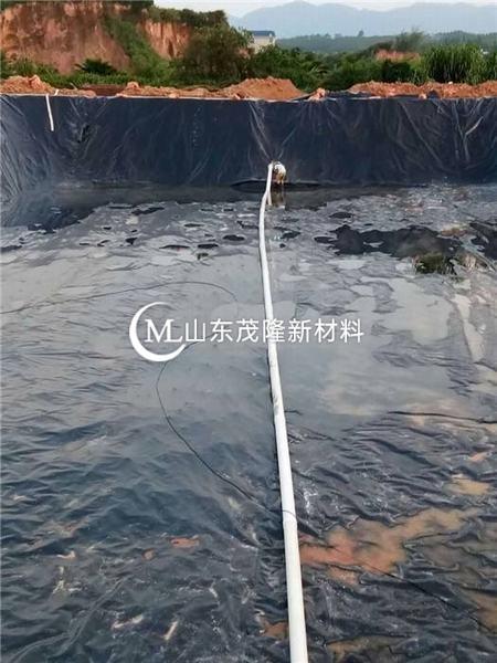 藕池防渗膜的厚度一般选用0.4-0.5mm