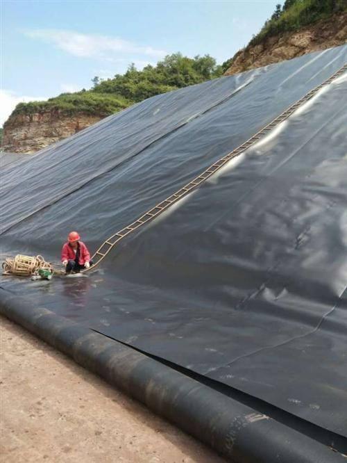土工膜厂家给予的施工多项建议