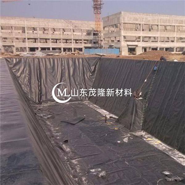土工膜具有良好的防渗性能,广泛应用于生活垃圾填埋场、固体垃圾填埋场