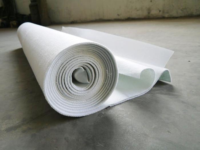 复合土工膜也叫做两布一膜或者防水土工布