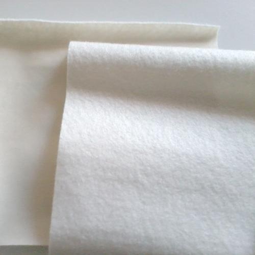 营养土工布与土工膜对比