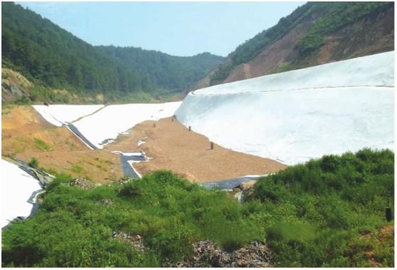 坝体较高 变形较大的堆石坝土工膜工法适用范围
