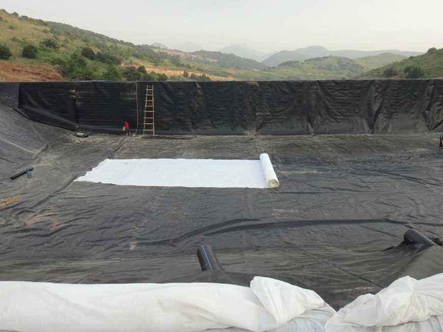 渠道防渗防渗采取复合土工膜的必要性