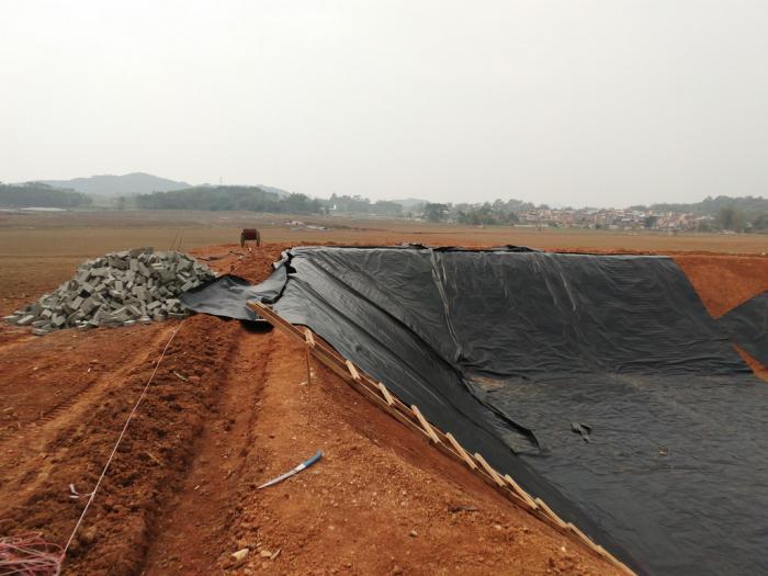 土工膜施工原材料运输的注意事项