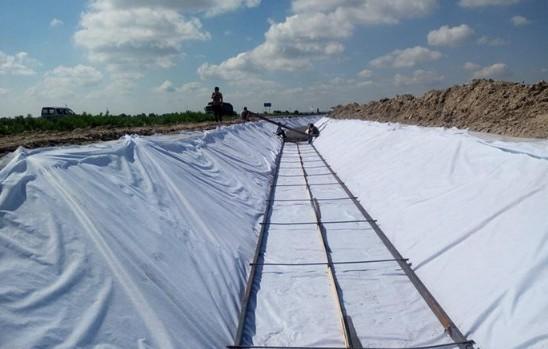 宽度在一定条件下对非织造土工膜拉伸性能